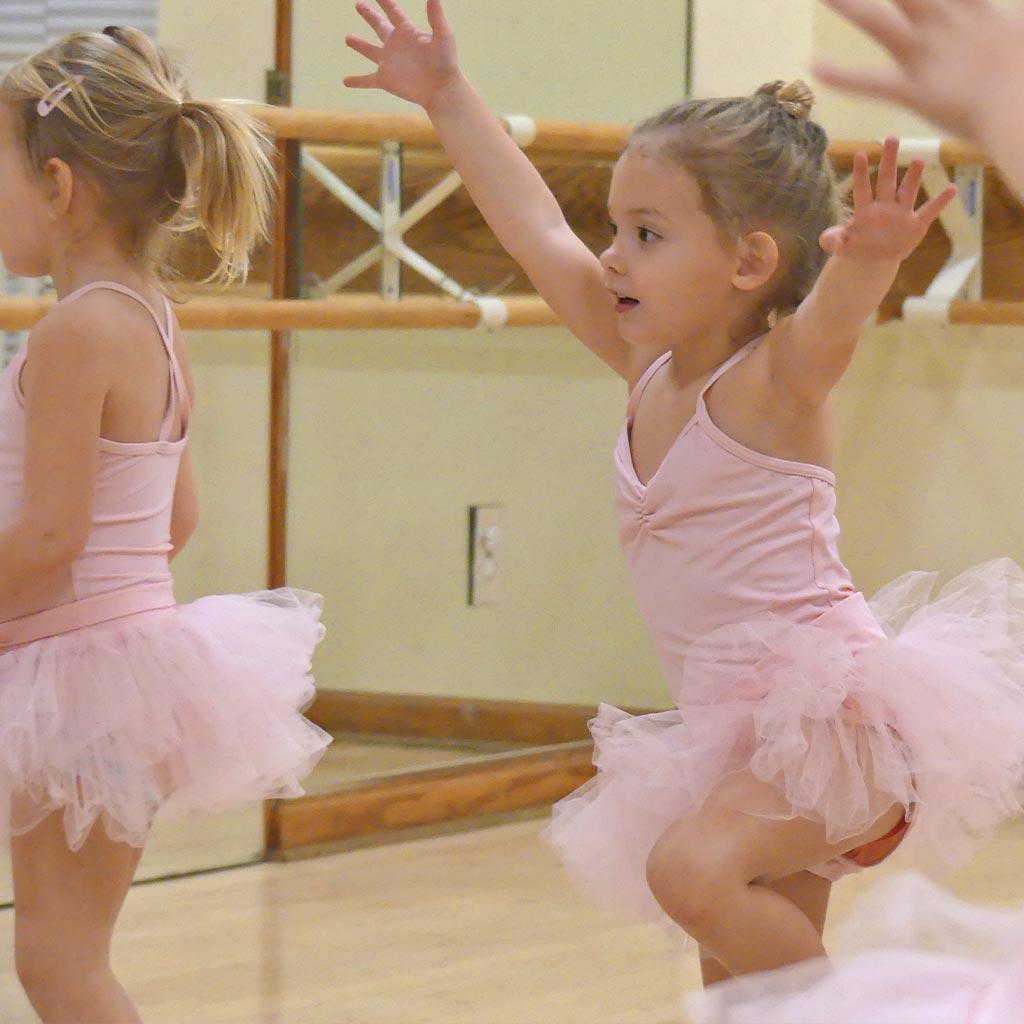 Tap & Twirl Pre-School Dance Class | Études de Ballet in Naples, FL